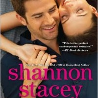Review Undeniably Yours by Shannon Stacey