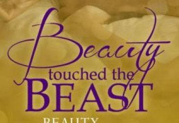 Free Friday Book Review: Beauty Touched the Beast by Skye Warren