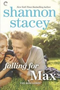 Review Falling For Max by Shannon Stacey