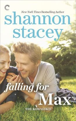 Review: Falling for Max by Shannon Stacey #MyKindOfLove