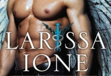 Review: Revenant by Larissa Ione