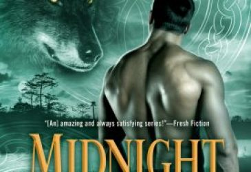 Review: Midnight Wolf by Jennifer Ashley + #Giveaway
