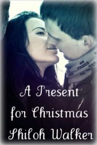 Review A Present for Christmas by Shiloh Walker