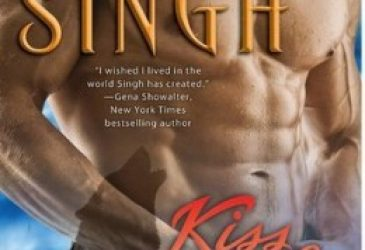 Review: Kiss of Snow by Nalini Singh