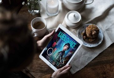 Review: Queen's Gambit by Karen Chance